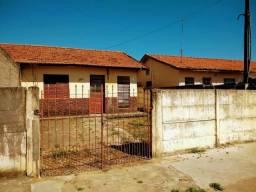 Casa em Pinda - 2 dormitórios, Sala, Cozinha, WC, Garagem e Quintal nos fundos