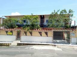 Alugo ampla casa No Petrópolis com 3qts