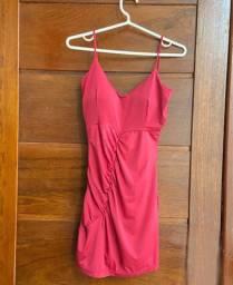Vestido rosa com detalhe e bojo