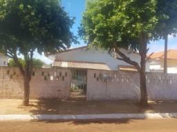 Casa a venda em rua tranquila - Salto Grande