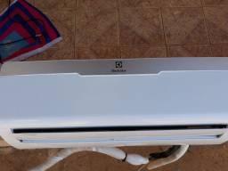 Vendo ar condicionado Electrolux 12000  sistema Wi-Fi
