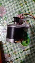 Título do anúncio: Motor de passo minebea Nema 23 de 6.00 kgf 6 fios coloridos