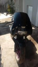 Sucata de moto para retirada de peças FZR 1000 1993