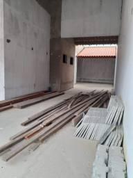 Vendo casa em condomínio em Luiz correia