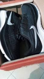 Promoção! Tênis Nike novo na caixa tamanho 42