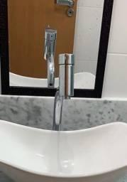 Armário de banheiro completo com pedra