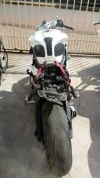 Sucata de moto para retirada de peças Daytona 675r 2014