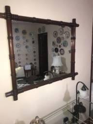 Espelho moldura em madeira maciça trabalhada