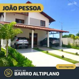 Vende-se Casa de 04 quartos no Altiplano em João Pessoa