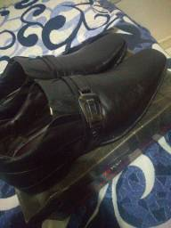 Sapato social na caixa, nunca foi usado
