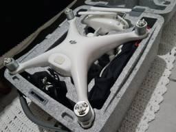 Drone DJI Phantom 4 + 3 Baterias + 2 Jogos de Hélices [ Completo ]