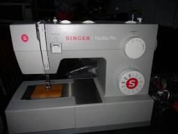 Máquina  Singer  Facilitar pró 4411 . Nova
