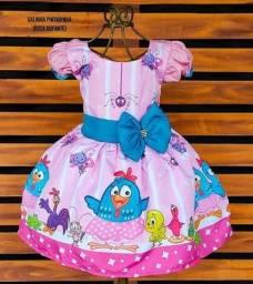 Título do anúncio: Vestido galinha pintadinha novo