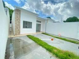 Casa com ambientes espaços e com impecável acabamento - garantia com construtora