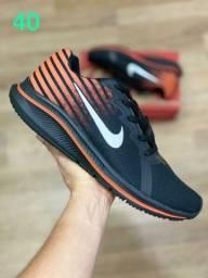 Promoção! Tênis Nike, novo na caixa tamanho 40