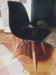 Kit com 2 cadeiras modernas
