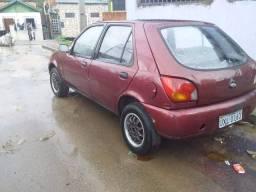 Vende se Ford Ka ano 2000