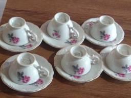 Conjunto de porcelana cafezinho