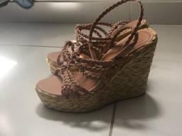 Vendo sandália linda usada apenas 1x