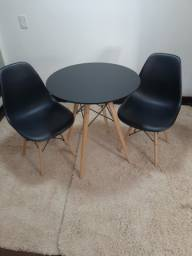 Mesa+2 cadeiras !!