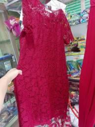 Lindo vestido NOVO de renda tam G