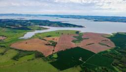 Fazenda - Margens Represa Chavantes
