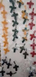Crucifixo e Pulseiras artesanais