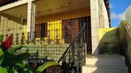 Casa no Centro de Ponta de Pedras