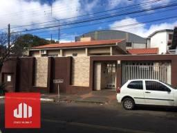 Título do anúncio: Casa com 3 dormitórios à venda, 182 m² por R$ 570.000,00 - Centro - Apucarana/PR