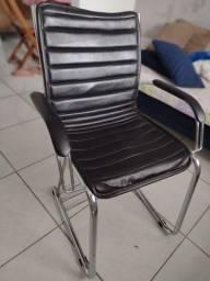 Título do anúncio: Cadeira de Escritório usada - corino preto