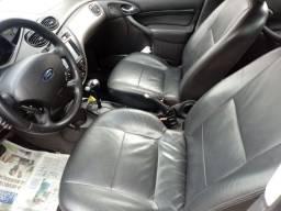 Focus Sedan Ghuia automático 16000