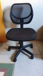 Cadeira Escritório Giratória com Rodas
