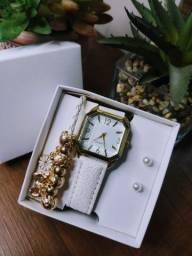 Título do anúncio: Kit Relógio Feminino Quartz + Pulseira + Par de Brincos