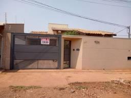 Título do anúncio: Linda Casa Bairro Parque Residencial dos Girassóis com três quartos sendo 1 suíte.