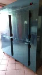 Câmara fria 4 porta 1 mês de uso zera
