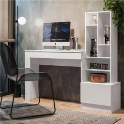 Mesa de estudo / Escrivaninha