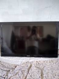 Vende se uma televisão ,de 43 polegada Sony