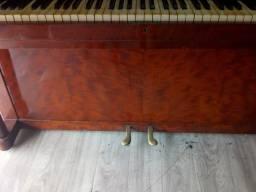 Título do anúncio: Piano de armário lindo