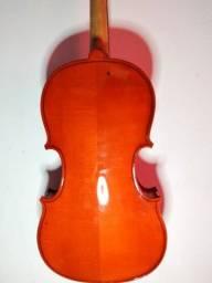 Vende-se violino michael R$500