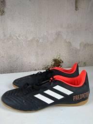 Título do anúncio: Chuteira Futsal Adidas Predator TAM: 43