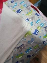 2 cobertores e 1 edredom de bebe
