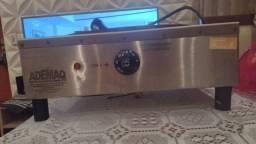 Título do anúncio: Máquina crepeira marca ademaq voltagem 220 volts