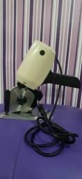 Máquina cortadeira p tecido