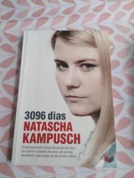 "Livro ""3096 dias - Natasha Kampush'"