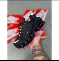 Nike 12 molas preto e rosa e branco