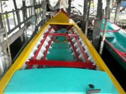 Barco com motor YAnmar NS18 - 2018