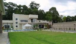 Mansão na região mais próspera de Ctba - Com 04 dormitórios sendo 01 suíte master