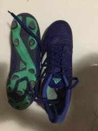Chuteira Adidas Predator (Campo)