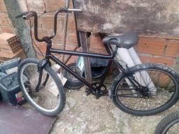 Bicicleta boa cubo de rolamento só pegar é andar precinho pra hoje