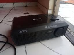PROJETOR RICOH (VGA, HDMI, RCA)